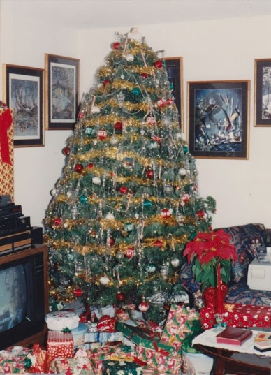 90s Christmas Tree Decorations.Other People S Christmas Photos The Awl